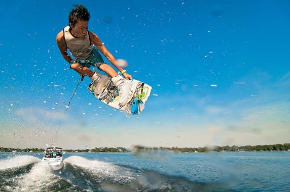 Wake Boarding Dubai Nikki Beach Extreme Water Sports